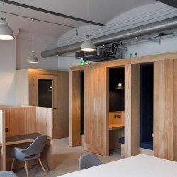 Beautiful Co-Working and Hot Desking space within Paddington Station, allowing employees to work alone or in a community.