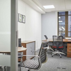 Incspaces. Offer professional serviced offices at the Old Jewry for rent for teams of up to 100 people.