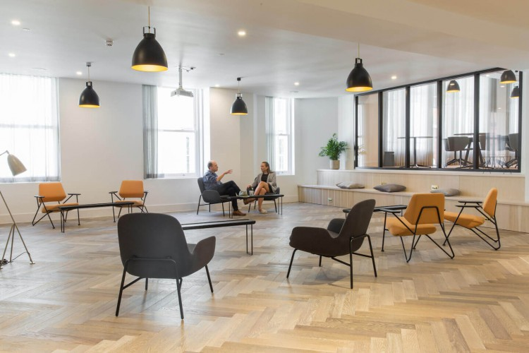 The modern office space in Wimpole Street offers various workspace environments for businesses to use including lounges, meeting rooms and co-working spaces.