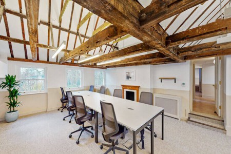 Charming serviced office space in Theobalds Road near Chancery Lane station. The grade II listed building offers small to medium businesses private flexible workspace to operate from.