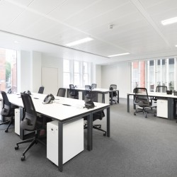 Private serviced office space in Chancery Lane with ample natural light coming into the office with floor to ceilings glass windows. Suitable to for SME's and Corporates who need flexibility.