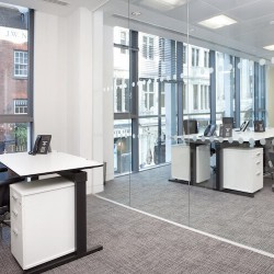 Luxurious serviced office space at 48 Dover Street in Mayfair. Flexible workspace provider Landmark offer serviced office to rent across numerous London locations.