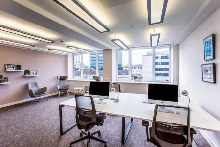 Private serviced office space at Euston House, filled with ample natural light, modern furniture and break out area. Suitable for SME's who need private offices with great transport links.