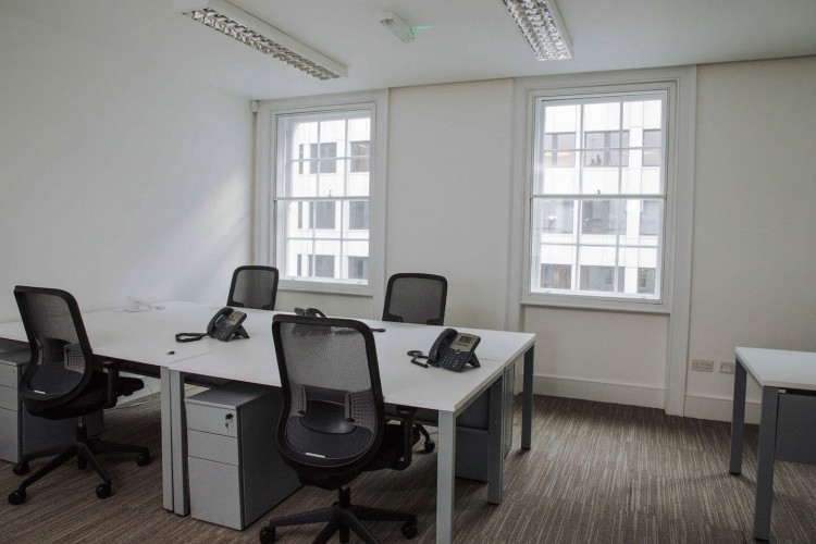 Modern private office space in Wigmore Street, Marylebone, London. The serviced office space is for teams/businesses that require flexible space.