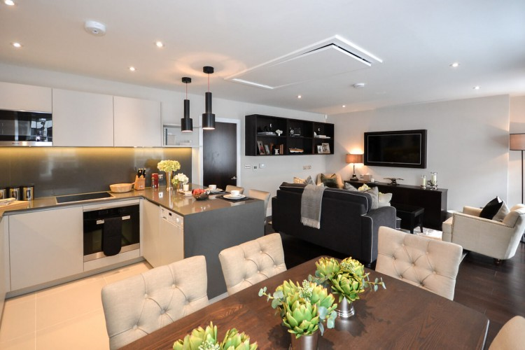 Beautiful luxury flat at the top of the building for residents who occupy office space in Wigmore Street. They also can enjoy at a discounted rate.
