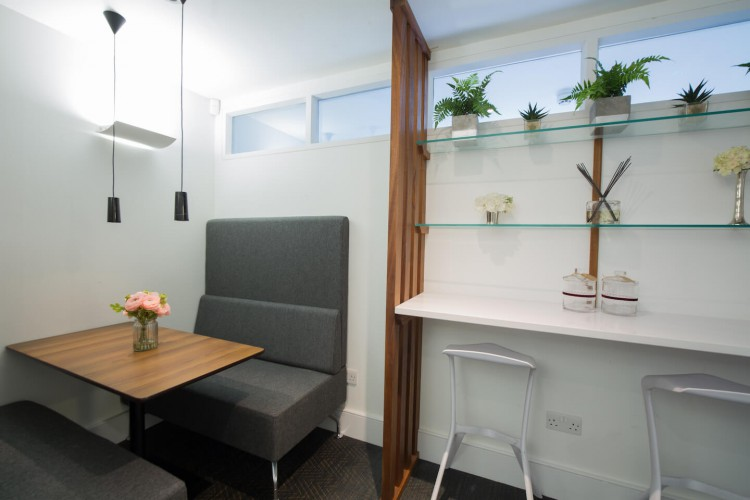Breakout area for office workers to relax and have informal discussions within this flexible office space in Wigmore Street, Marylebone, London.