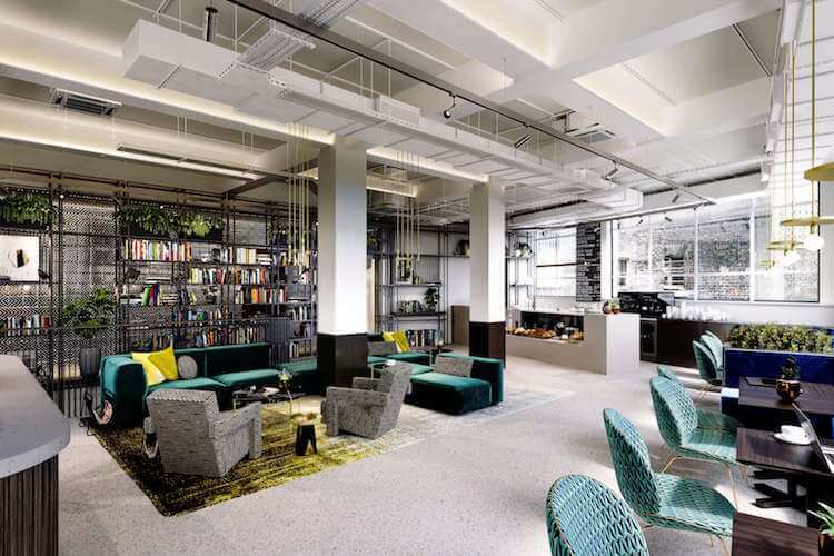FORA Space offer a stunning workspace with beautiful breakout space with soft furnishing and cafe for office tenants to relax in at this office space in Fitzrovia on 16-19 Eastcastle St.