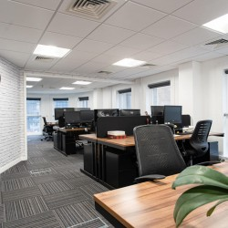 Open-plan Serviced Office space in Finsbury House, Finsbury Circus, offers occupiers private serviced offices of all sizes to rent on flexible terms.
