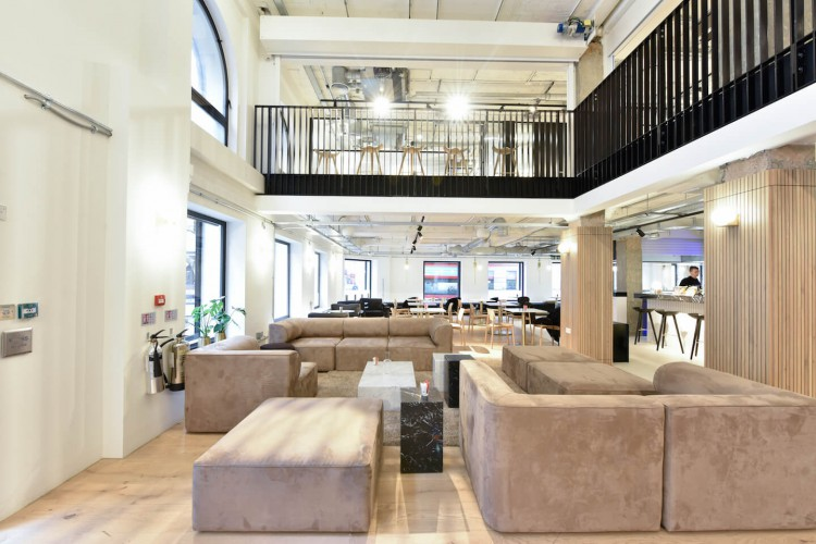 The office space in Bloomsbury Way offers tenants modern and contemporary break-out space for employees to relax or work away from their office.