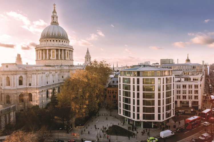 Luxurious office space in Octagon Point, St Paul's next to ST Paul's cathedral with stunning views for businesses who need to be in premium locations.
