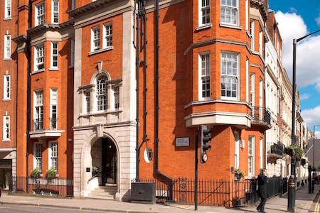 Argyll Club offer a stunning Serviced Office building at 28 Grosvenor Street in the heart of Mayfair for businesses to rent office space for teams between 2-100 staff.