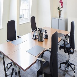 Serviced offices to rent in the heart of Mayfair at 28 Grosvenor street for businesses of 4-40 people.