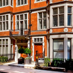 Luxurious office space for rent in Mayfair at 52 Brook Street.