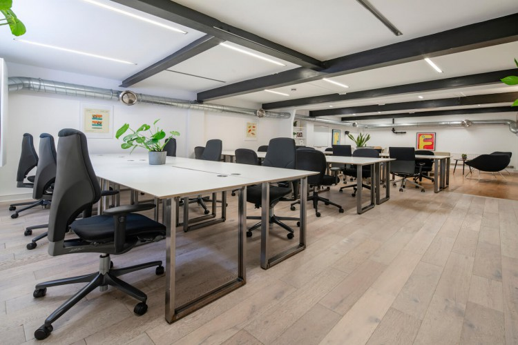 Large fully-furnished serviced office space in Brick Lane, London. Suitable for companies of 15 or more office staff.