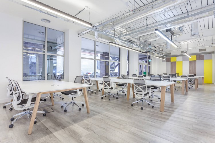 Open plan serviced office space at 43 Worship Street, providing businesses the opportunity to customise their own workspace with phone booths, designer furniture and meeting rooms.