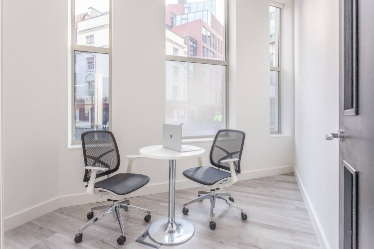 Small dedicated meeting room at the serviced office space at 43 Worship Street, providing businesses the opportunity to have one on one meetings in their own office.