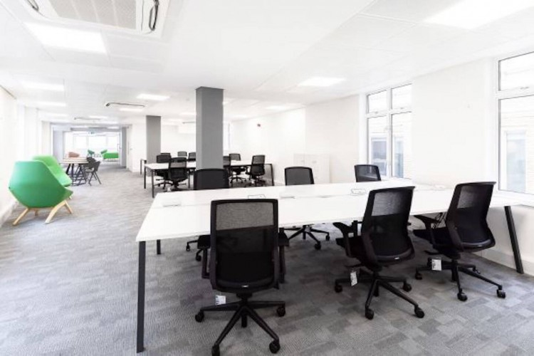 Fitted-out private office floor on Basinghall Street minutes from Bank station.