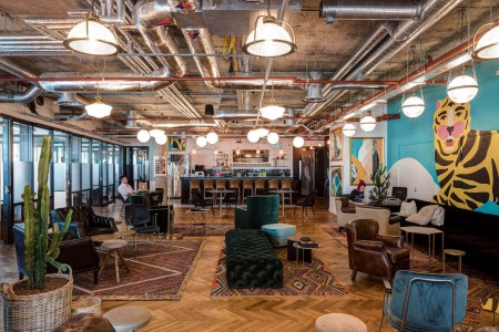 Stunning contemporary break out areas and communal space for the businesses to use at this flexible workspace building on Whitechapel High St. Aldgate.