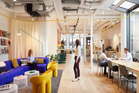 Comfortable breakout area and co-working space for office occupiers to use at the flexible office building in Hatton Garden, minutes from Farringdon Station.