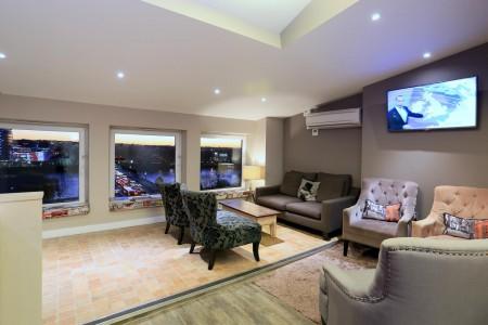 Riverbank House Breakout Space