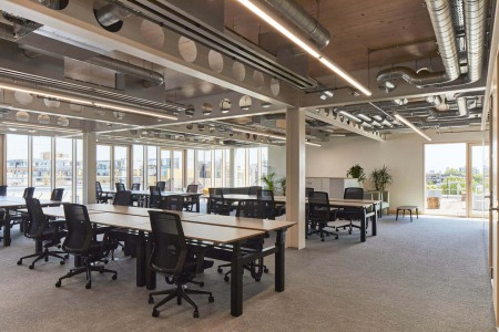 Open plan flexible managed workspace rental in Haggerston for medium to large business' who require their own private office space with internal meeting rooms.