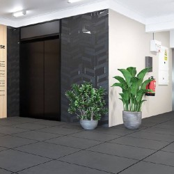 The Managed Office Space at Abbey House in Farringdon offers occupiers the opportunity for company branding and signage in the building entrance next to the lifts.