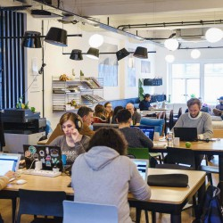 Co-working area for startups, entrepreneurs and freelancers to rent on flexible terms in Oxford St with comfortable breakout spaces.