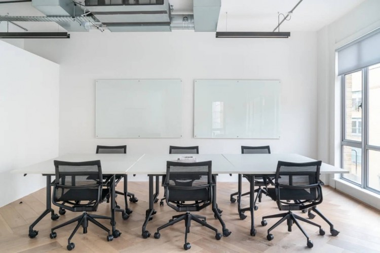 Private office at 27 Provost St, Shoreditch enabling businesses to work in a private self-contained environment.