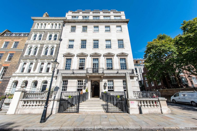 Building exterior of this Flexible Office Space in Lincolns Inn Fields, Holborn offering business' meeting rooms, break-out space and private serviced offices.