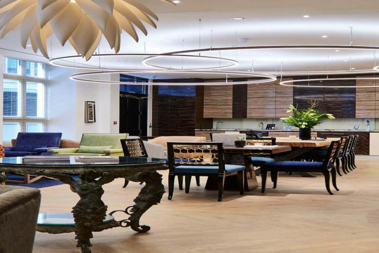 Beaumont Business Center offers a luxurious business lounge for companies based at their Midtown buildings in London.