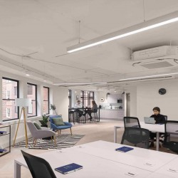 Flexible managed office space in Gough Square, Chancery Lane for businesses of more than 20 employees to rent office space on flexible terms with the ability to customise their own workspace.