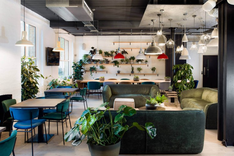 Breakout area for individuals/businesses to either relax in or to focus on a project away from their private office space in Horsell Rd, Highbury & Islington.