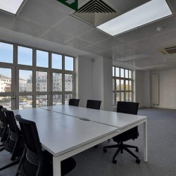Contemporary serviced office space in Marina Studios located in Chelsea Harbour. This private office space has been designed to offer businesses their own customised, branded workspace on flexible terms.