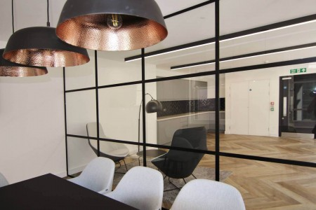 Stunning dedicated meeting room or boardroom for businesses to hold important meetings at 11 Cursitor Street, Holborn, London EC4A 1LL.