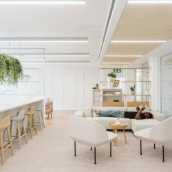 High quality breakout space within the Managed Office to let in Brownlow Yard, 12 Roger St., Bloomsbury WC1N