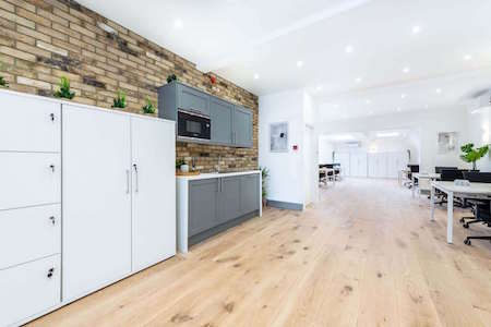 Latimer Road Kitt Offices offer flexible office space to rent in Latimer Road for companies with teams of 10-40 people.