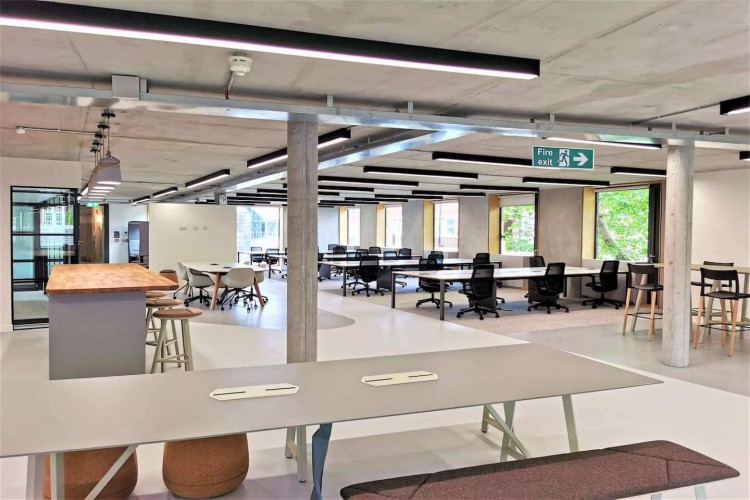 Woolyard is home to fully fitted, fully managed workspaces across three buildings for businesses to rent in London Bridge: The Warehouse, The Loft and The Gatehouse offer Serviced Offices to rent.